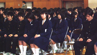 一宮興道高等学校制服画像